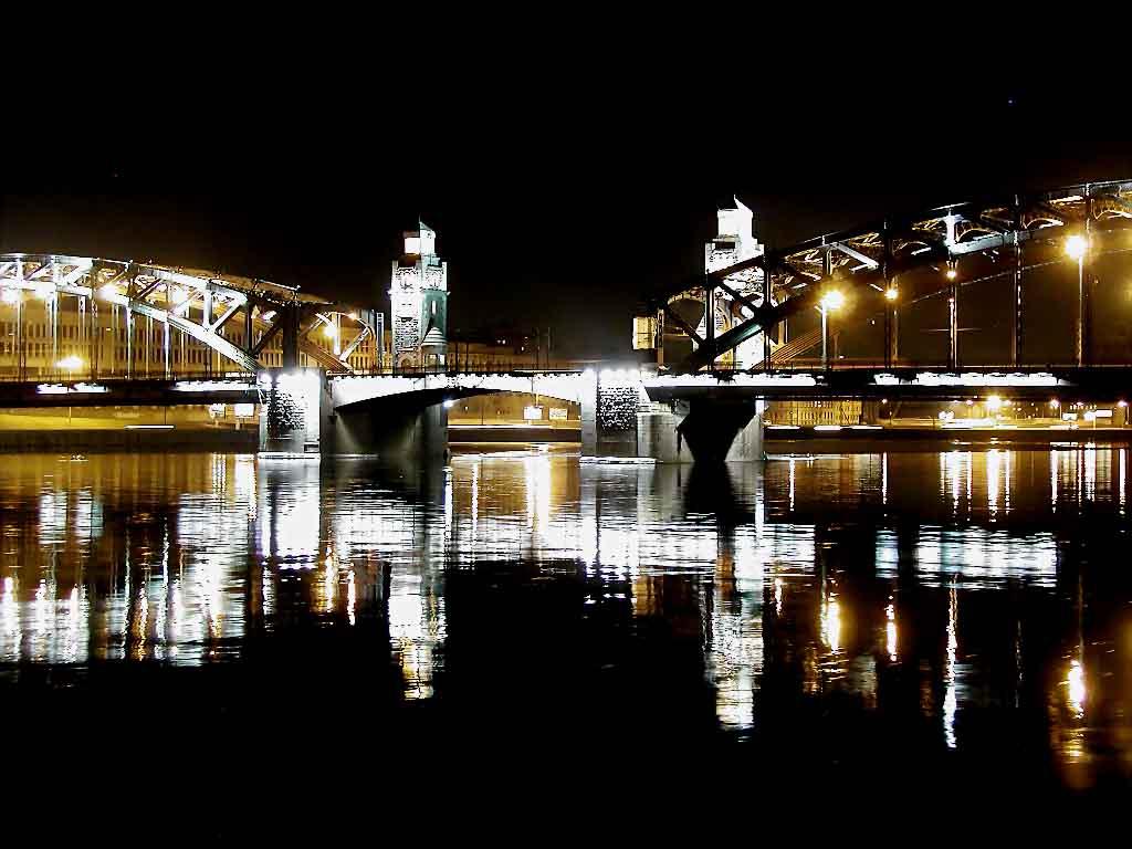 Большеохтенский мост